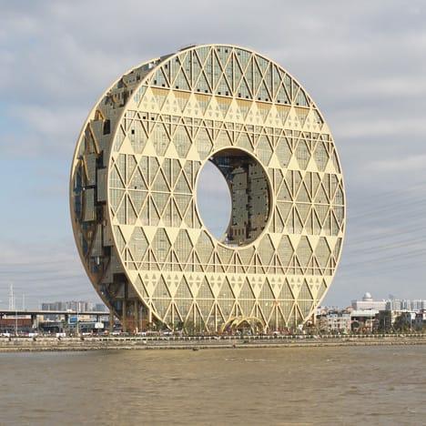 A doughnut shaped skyscraper in Guangzhou by Joseph di Pasquale. Image: as seen in Dezeen.